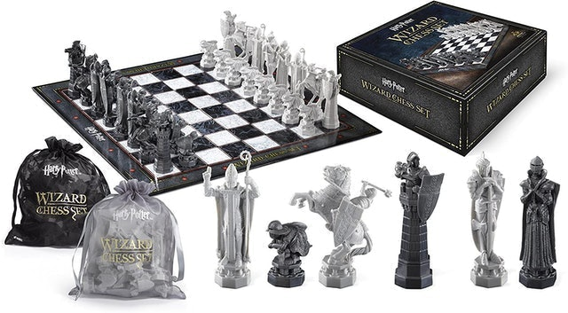 The Noble Collection Harry Potter Wizard Chess Set 1
