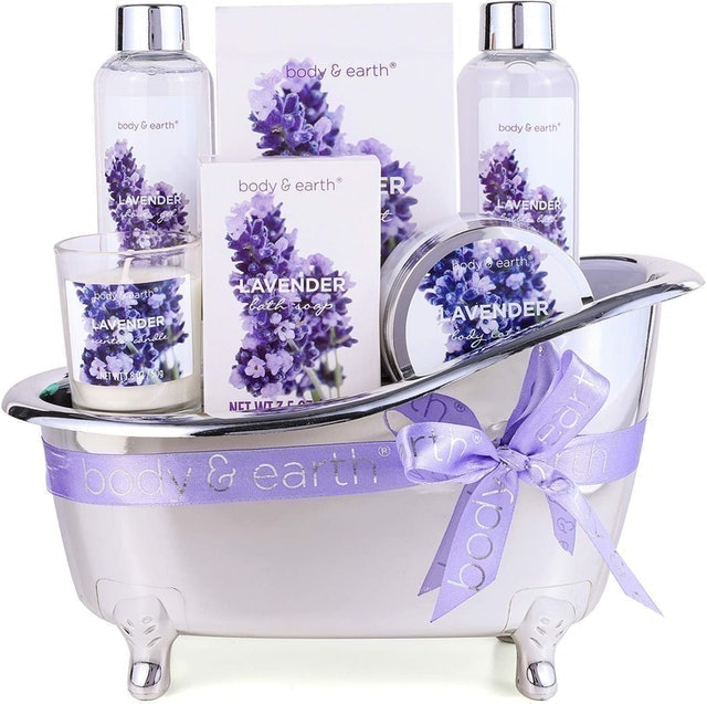 Body & Earth Lavender Scented Gift Set for Women 1