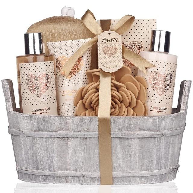Lovestee Bath and Body Set With Vanilla Fragrance 1