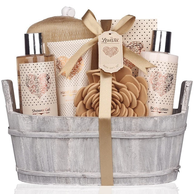 Lovestee Bath and Body Set With Vanilla Fragrance 1