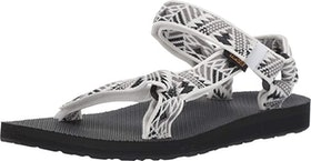 Top 10 Best Water Shoes for the Beach in 2021 (Teva, Keen, and More) 5
