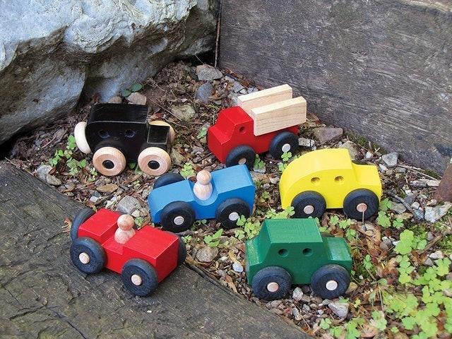 Maple Landmark Mites Wooden Cars 1