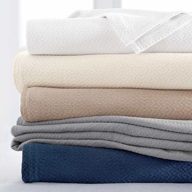 Potterybarn Diamond Organic Cotton blanket 1