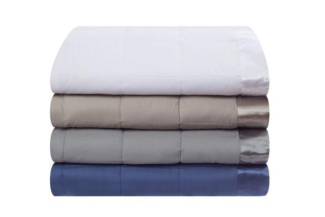Design Weave All Season Temperature Regulating Blanket 1