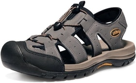 Top 10 Best Water Shoes for the Beach in 2021 (Teva, Keen, and More) 3