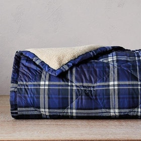 Top 10 Best Down Blankets in 2020 (Madison Park, LinenSpa, and More) 4