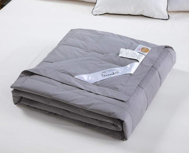 WarmKiss Lightweight Down Blanket 1