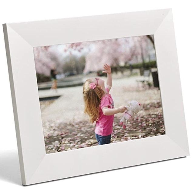 Aura Digital Photo Frame 1
