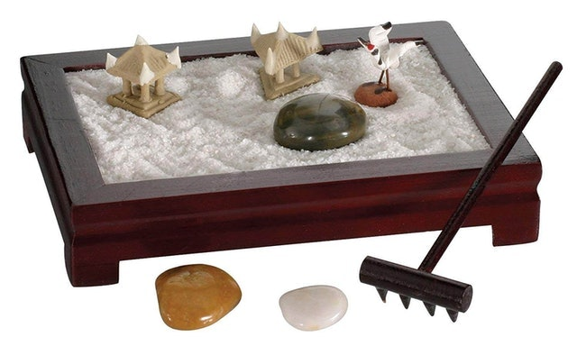 Toysmith Mini Zen Garden 1