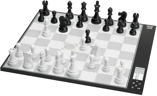 DGT New Revolutionary Chess Computer 1