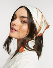 Top 10 Best Women's Head Scarves in 2021 (Gucci, Everlane, and More) 1