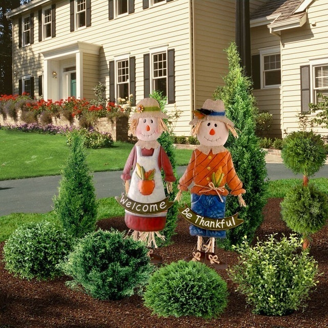 Fall Decorations The Holiday Aisle 2-Piece Metal Scarecrow Figurine Set 1