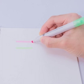 Top 14 Best Japanese Highlighters in 2021 - Tried and True! (Zebra, Pentel, and More) 1