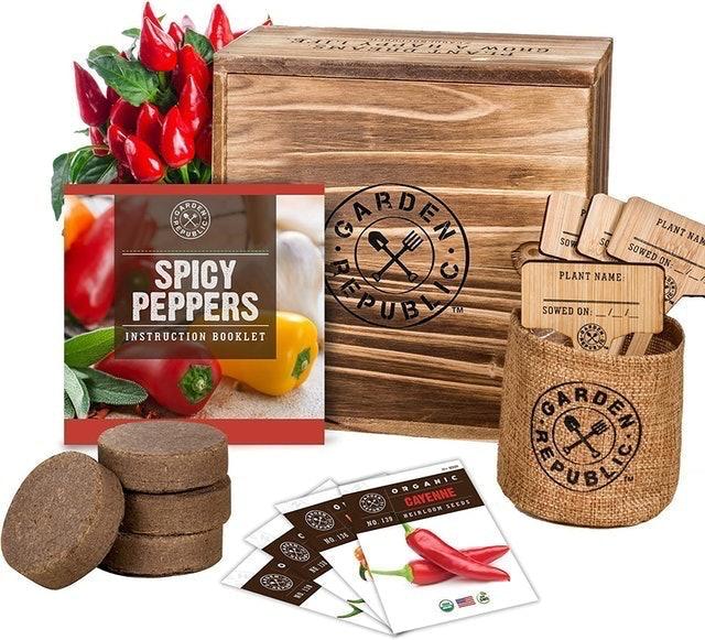 Garden Republic Spicy Peppers Starter Kit 1