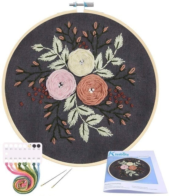 Inc New DIY Vintage Silver Needle Complete wyarn and Instructions Micro Suede Small Clutch Floral Design Needlepoint Kit