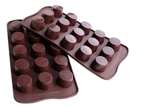 Top 10 Best Chocolate Molds in 2021 (Wilton, Caketime, and More) 3