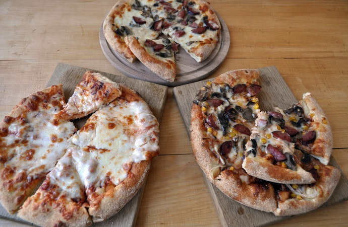 Pizza Style: Crust, Cheese, Toppings–Let's Look at It All