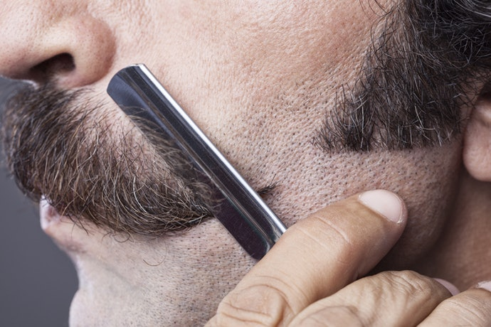 Straight-Edge Razors Are Best for Facial Hair and Great at Sharp Lines