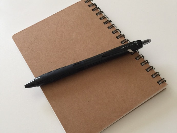 The Final Verdict: Comfort, Color, Drying Speed–The Pen That Has It All. The uni Jetstream Gets our Seal of Approval