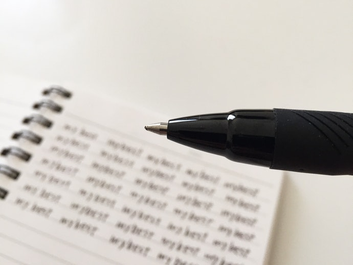 Writes Smoothly and at a Uniform Thickness