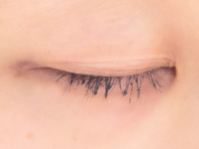 You Need to Give the Mascara Time to Soak or It Won't Come off