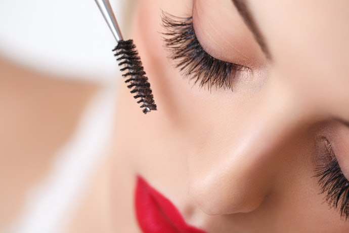 Want a Tubing Mascara that Will Give You a More Glamorous Look? We've Got You